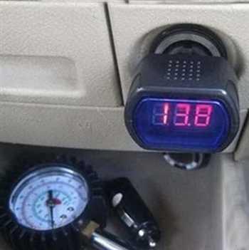 ولتومتر فندکی خودرو